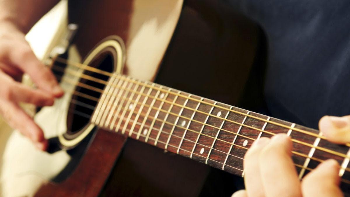 Czy możesz się nauczyć grać na gitarze?