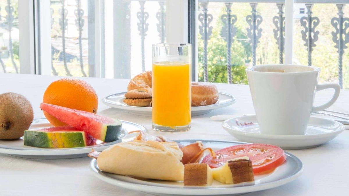 Co to są wakacje na połowę wyżywienia i czy powinieneś zarezerwować pobyt w hotelu?